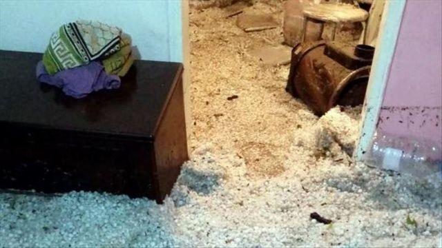 Çerkeş'te sağanak ve dolu nedeniyle ev ve iş yerlerini su bastı
