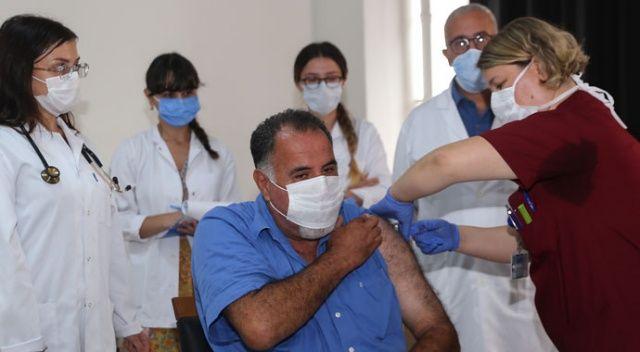 Cerrahpaşa'da ilk aşı hasta bakıcıya