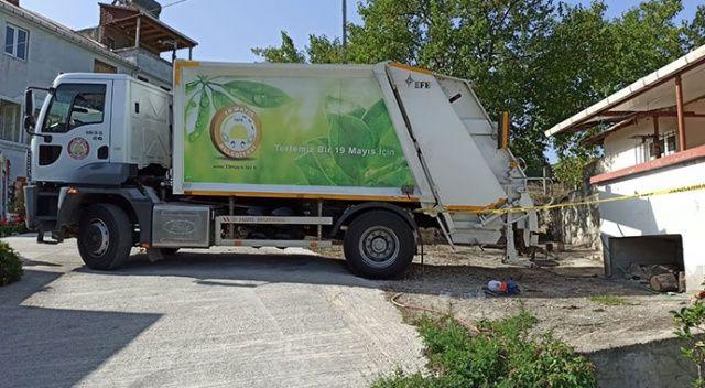 Çöp kamyonunun altında kalan işçi hayatını kaybetti