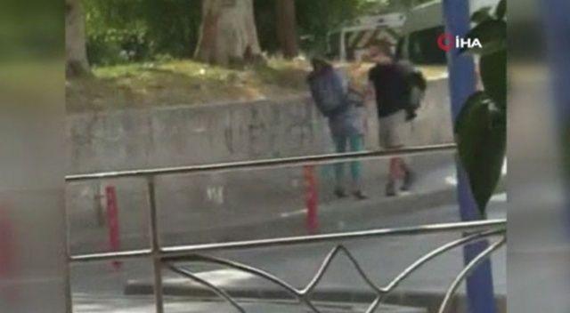 Erkek arkadaşını sokak ortasında dövdü