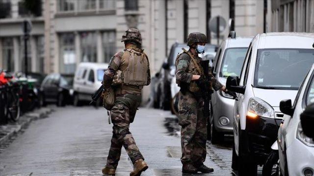 Fransa'da terör örgütü üyelerine finans sağladığı gerekçesiyle 29 kişi gözaltına alındı