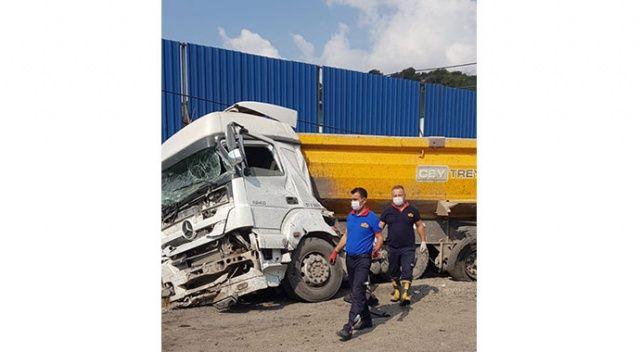 Freni patlayan kamyon, kamyona çarptı: 1 ölü, 1 yaralı