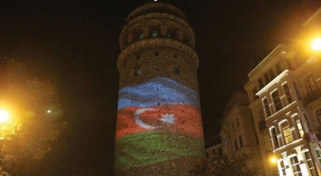 Galata Kulesi'ne Azerbaycan bayrağı yansıtıldı