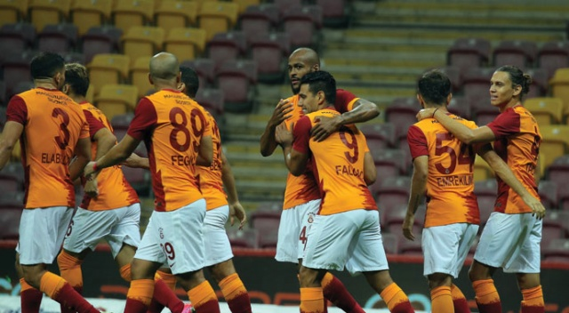 Galatasaray, Gaziantep FK maçının formalarını açık artırmaya çıkardı
