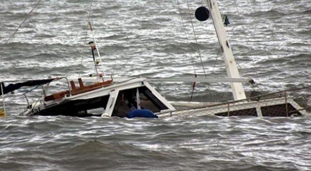 Hindistan'da tekne batması sonucu 7 kişi öldü