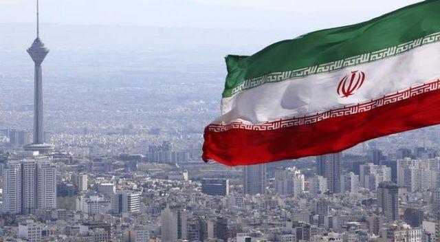 İran, Ermenistan'a gönderilen kamyonların geçişini durdurdu