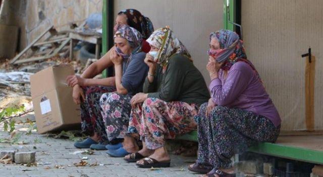 Kadınlar ekmek teknelerinin kaldırılışını gözyaşlarıyla izlediler