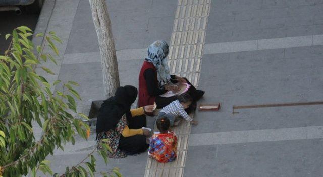 Kars'ta kadın ve çocuk dilenciler vatandaşları bıktırdı