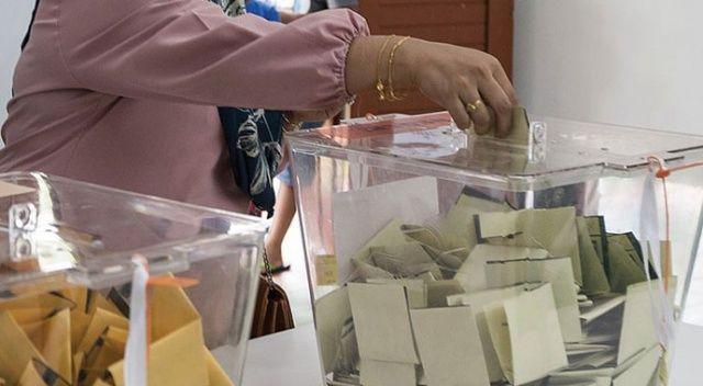 Malezya'da iktidar koalisyonu, kritik önem taşıyan eyalet seçimlerini kazandı