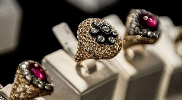 Mücevher sektörünün yıldızları ödüllendirildi