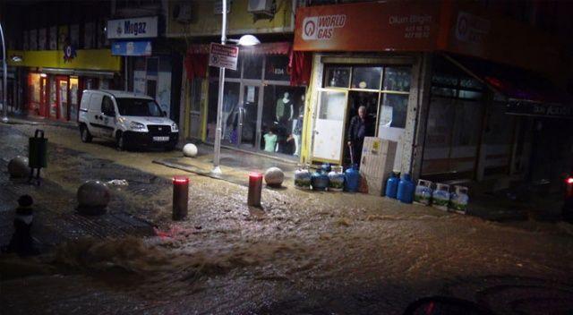 Tekirdağ'da sağanak nedeniyle bazı iş yerlerini su bastı