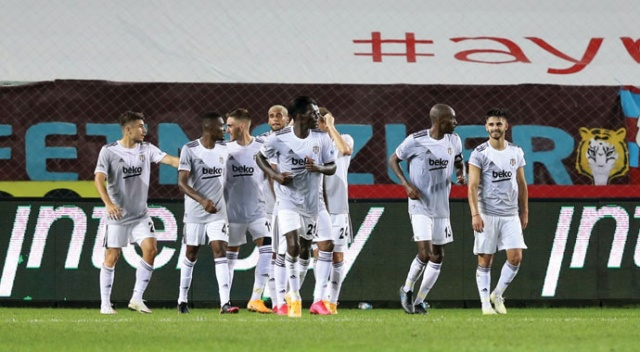Trabzonspor, evinde Beşiktaş'a 3-1 mağlup oldu