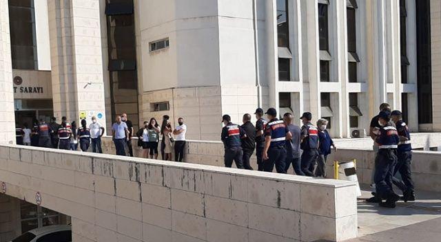 Yaşlı kadını dolandırıp paraları lüks rezidansta harcarken JASAT'a yakalandılar