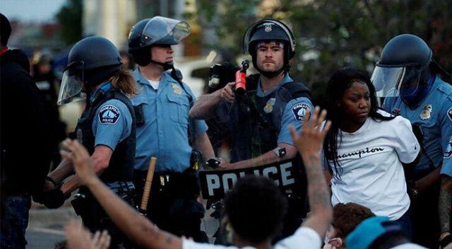ABD'de siyahilere polis şiddeti