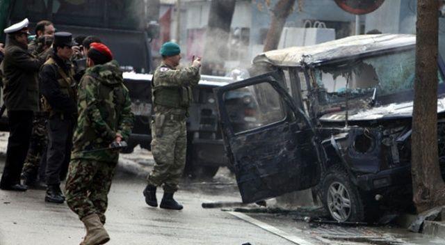 Afganistan'da valilik binası önünde bombalı saldırı: 2 ölü