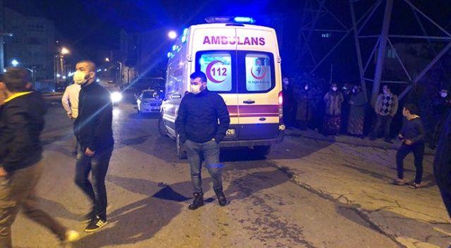 Alevlerin arasında kalan anne hastanede öldü, oğlu yaralandı