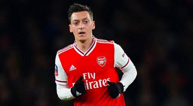 Arsenal taraftarı Mesut Özil için imza kampanyası başlattı