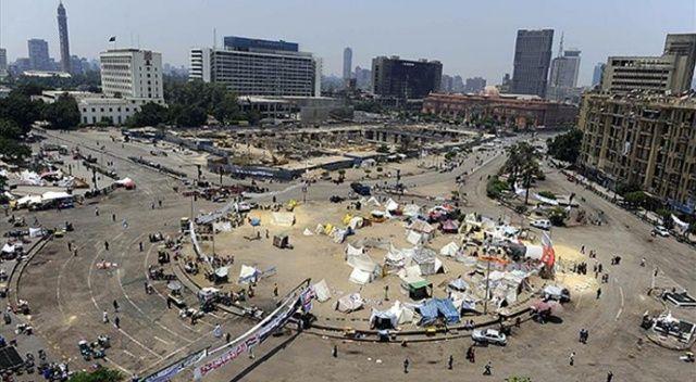 Bağdat'ta Tahrir Meydanı ve Cumhuriyet Köprüsü yeniden trafiğe açıldı