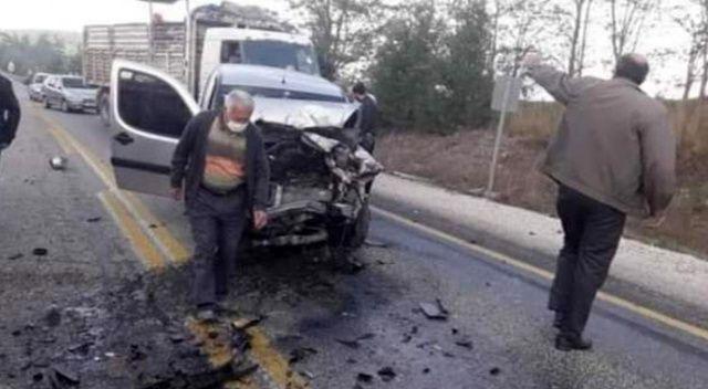 Bursa'da iki araç kafa kafaya çarpıştı: 1 ölü, 3 yaralı