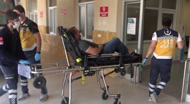 Demir keserken hem kendini hem arkadaşını yaraladı
