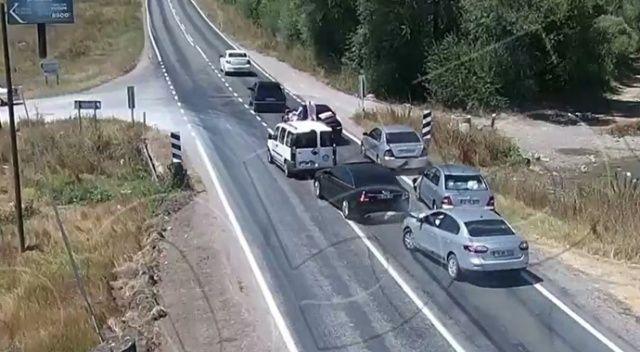 Düğün konvoyunda kaza, 4 araç birbirine girdi
