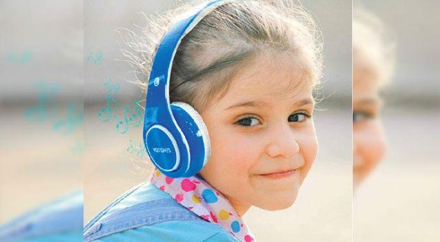 Eğitim için kulak üstü kulaklığı tercih edin