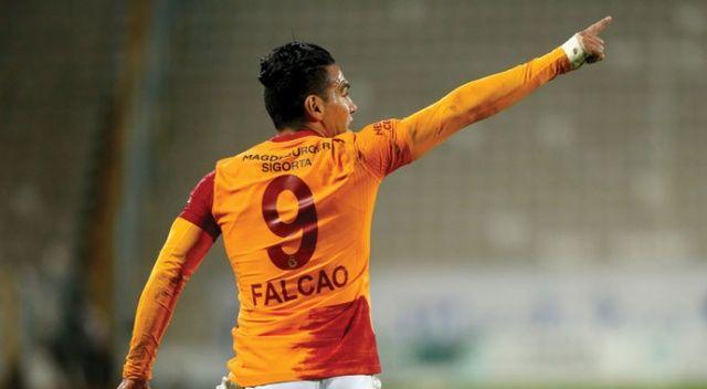 Galatasaray, deplasmanda Erzurumspor'u 2-1 mağlup etti