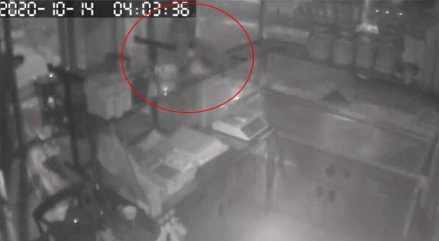 Hırsızlar sadaka kutusuna da göz dikti