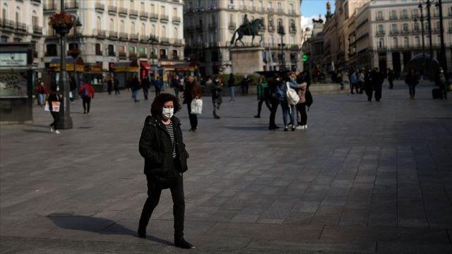 İspanya'da Covid-19 nedeniyle ilan edilen OHAL 9 Mayıs'a kadar uzatıldı