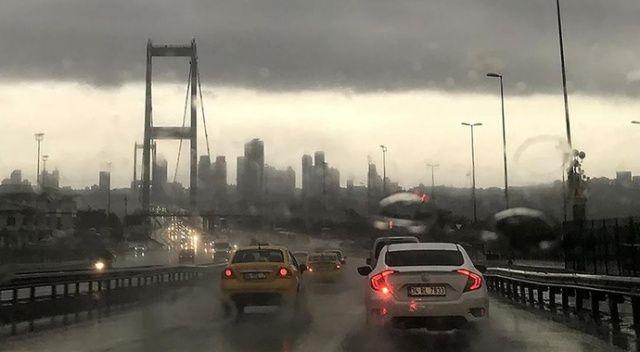 İstanbul'un bazı ilçelerinde yağış etkili oluyor