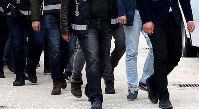 İzmir'de FETÖ'nün hücre evlerine yönelik operasyonda 23 şüpheli gözaltına alındı