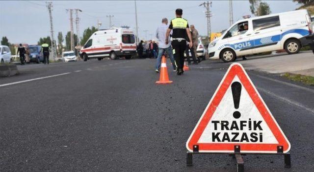 İzmir'de otomobilin tıra çarpması sonucu 1 kişi öldü