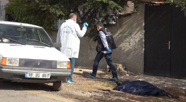 Kapı komşusu akrabalar arasında döner bıçaklı ve baltalı kavga: 1 ölü, 3 yaralı