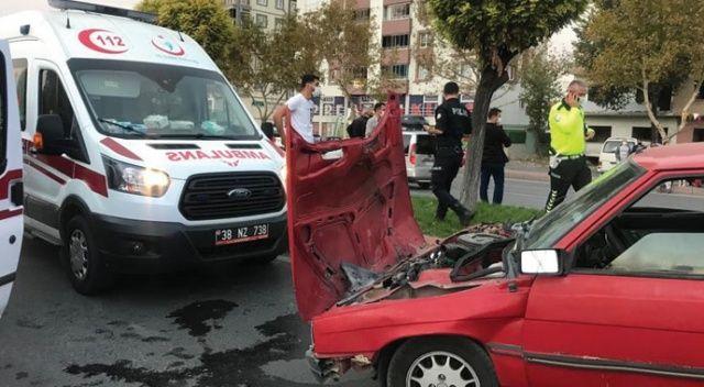 Kayseri'de iki otomobil çarpıştı: 4 yaralı