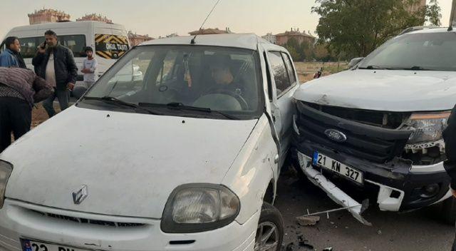 Kaza sonucu aracın altında kaldı, babasının elini bir an olsun bırakmadı