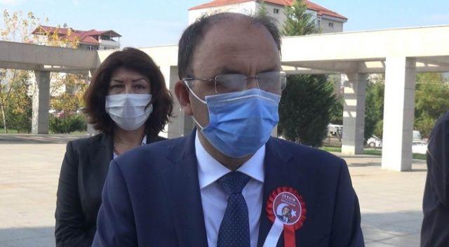 Koronavirüs nedeniyle karantinada kalan Vali, vatandaşları böyle uyardı