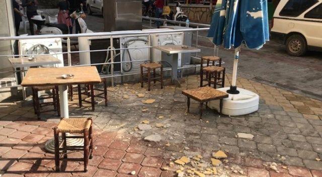 Kuşadası'nda 35 kişi hafif yaralandı, 100 hasarlı bina var