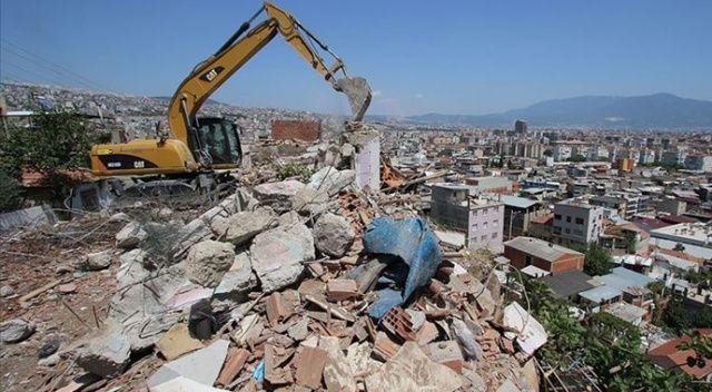 Malatya'da ağır hasarlı bin 205 bina yıkıldı