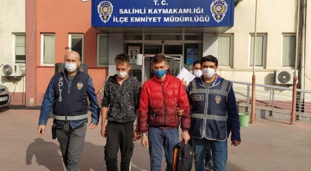 Motosiklet hırsızları önce kameralara, sonra polise yakalandı