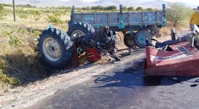 Otomobil ile çarpışan traktör ikiye bölündü: 2 ölü, 5 yaralı