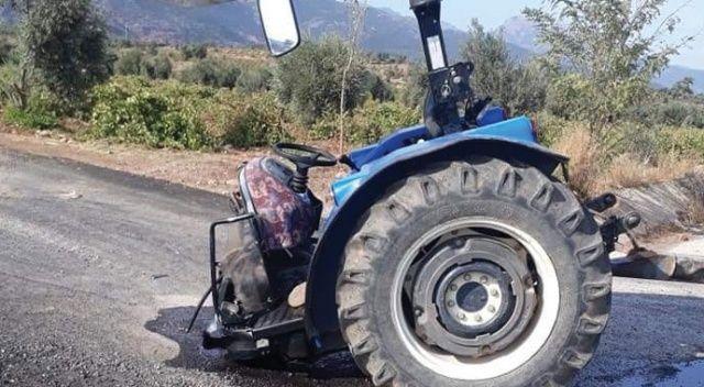 Otomobil ile çarpışan traktör ikiye bölündü: 2 yaralı