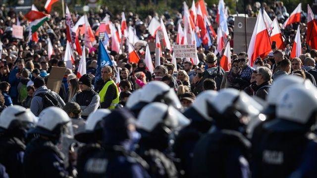 Polonya'da günlük vaka sayısı 20 bini geçti