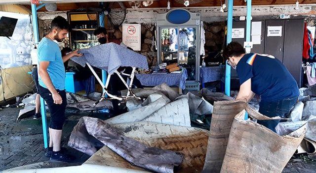 Tsunami vuran Sığacık yaralarını sarmaya başladı