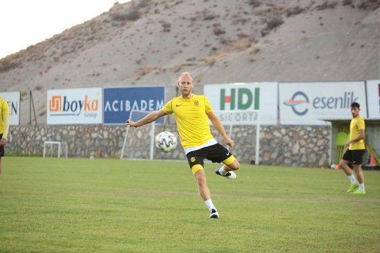"""Semih Kaya: """"En büyük hedefim Yeni Malatyaspor ile Avrupa kupalarına gitmek"""""""