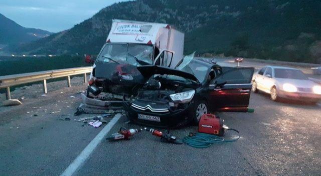 Antalya'da trafik kazası: 1 ölü, 4 yaralı