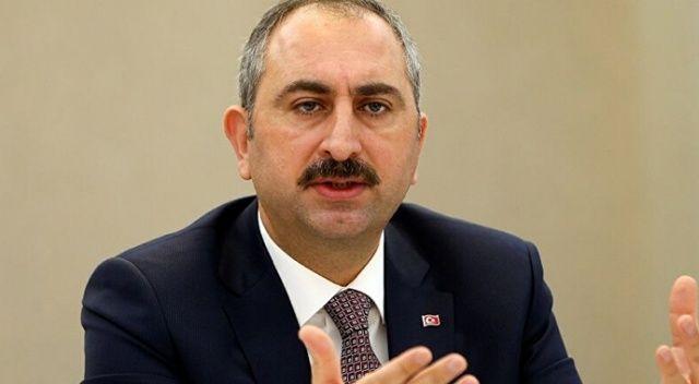 Adalet Bakanı Gül'den çarpıcı çıkış: Anayasa Mahkemesi kararına uyulmayan bir yerde hukuk güvenliğinden bahsedilemez