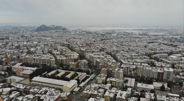 Bingöl'ün yüksek kesimli ilçelerine mevsimin ilk karı düştü