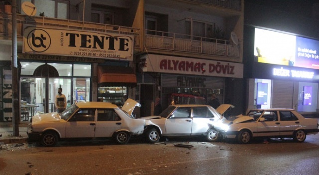 Bursa'da zincirleme trafik kazası: 2 yaralı