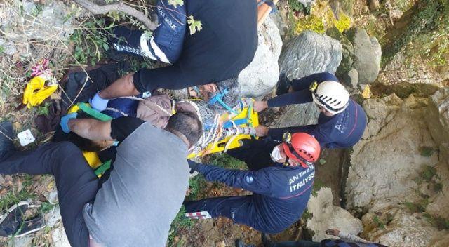 Defne keserken 30 metrelik uçuruma yuvarlandı