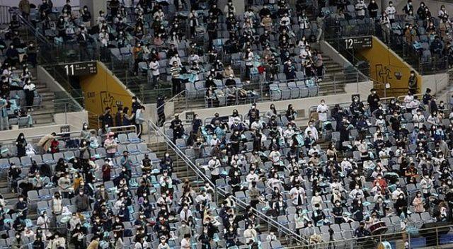 Güney Kore sosyal mesafeyi kaldırdı, korona vakaları patladı